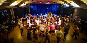 theater dance circle